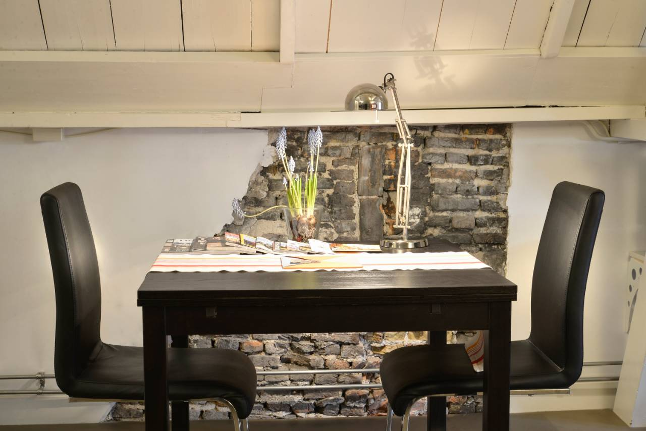 Kamer 1 ontbijttafel De Luthiers Bed & Breakfast Voorstraat 13 Dordrecht