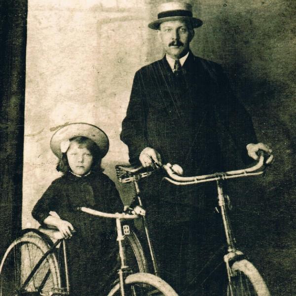 Vader en dochter van Riemsdijk archief familie van Geest