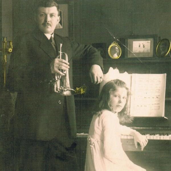 Vader en dochter van Riemsdijk,muziek archief familie van Geest